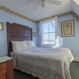 Room8-1610111016